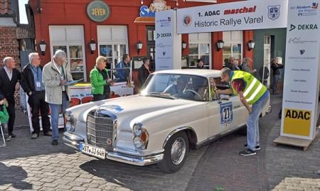 oldtimer-rallye-zum-fruehlingsfest-2